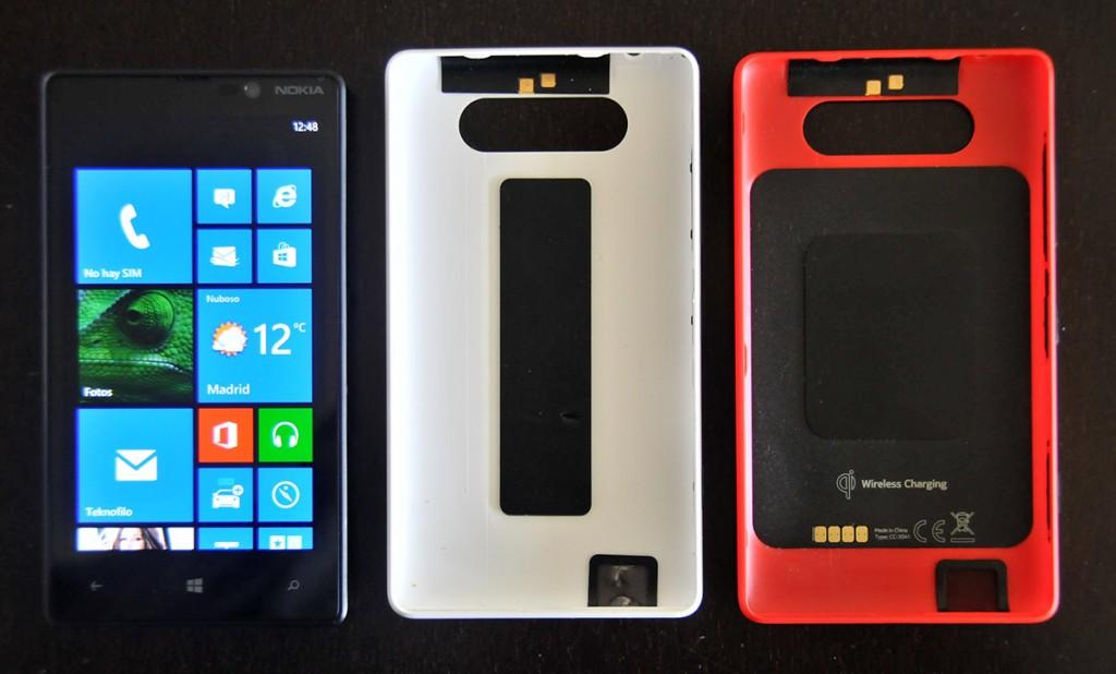 Nokia Lumia 820 - Carcasa normal y de carga inalámbrica