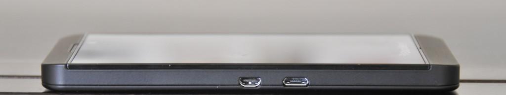 BlackBerry Z10 - Lateral izquierdo