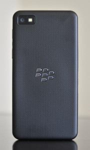 BlackBerry Z10 - Trasera