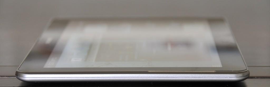 Galaxy Tab 2 10.1 - parte izquierda