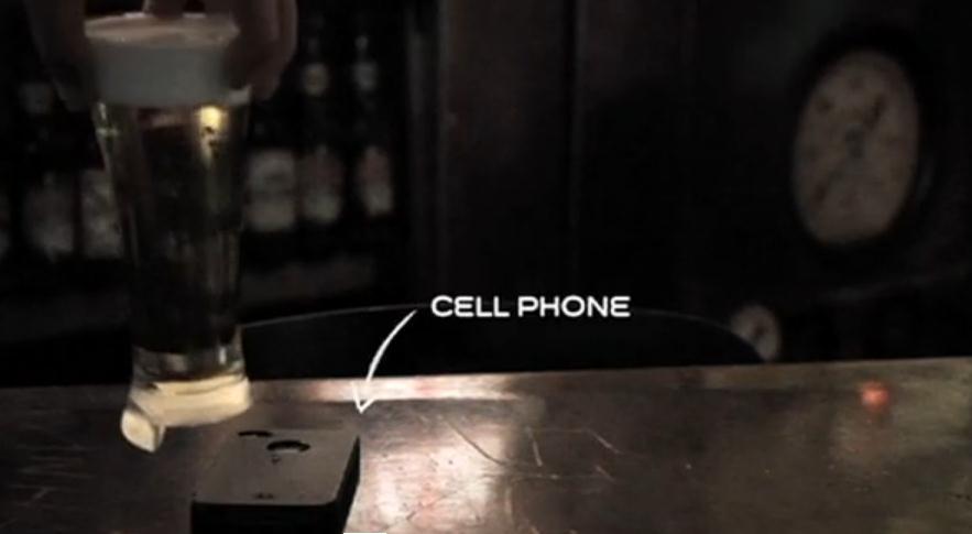 Vaso de cerveza para móviles