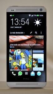 HTC One frente