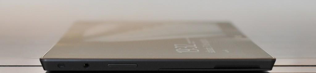 Microsoft Surface RT lado izquierdo