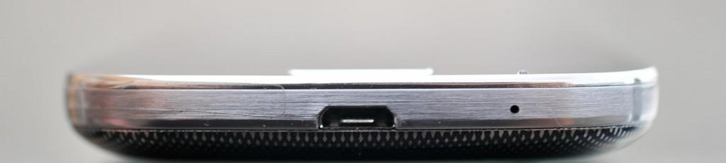Samsung Galaxy S4 Mini -  abajo