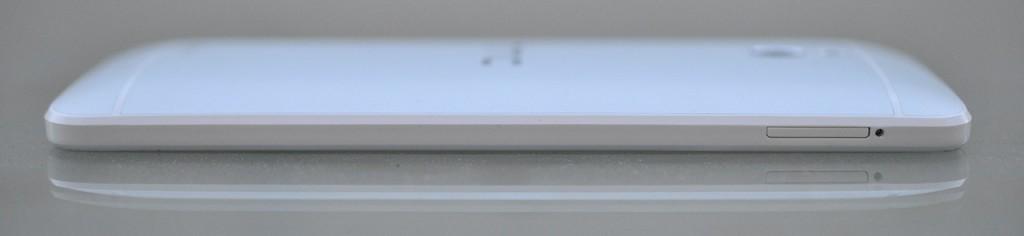 HTC One Mini - izquierda