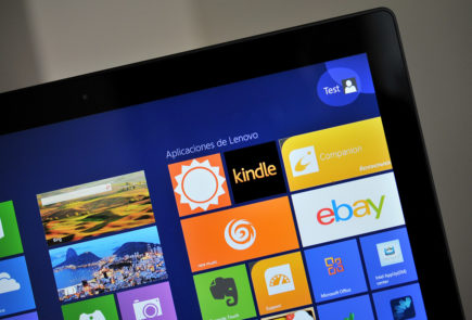 Lenovo IdeaPad Yoga 13 - pantalla 2