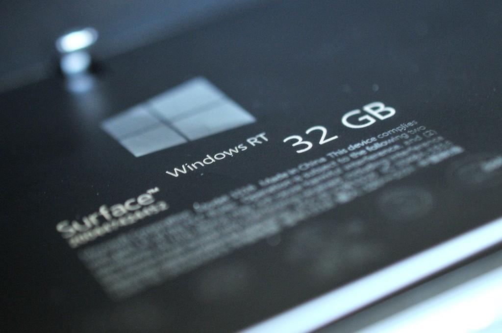 Microsoft Surface RT etiqueta trasera