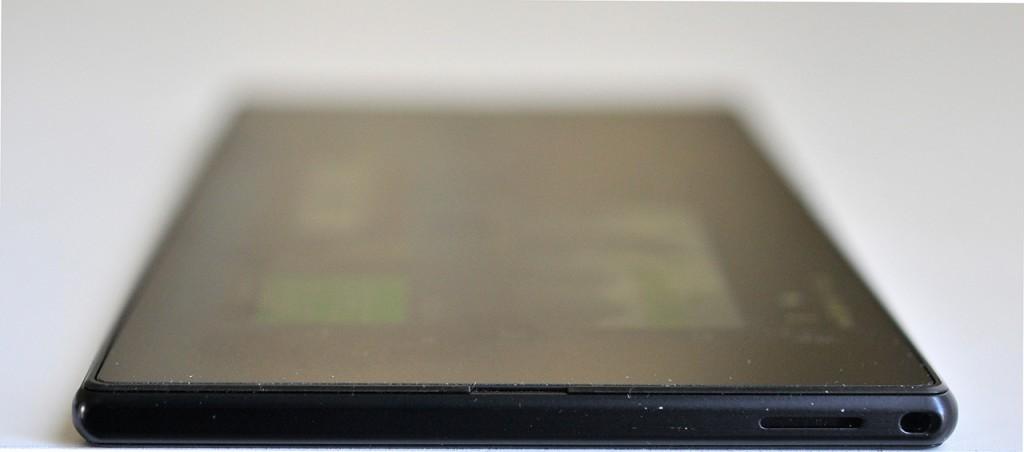 Sony Xperia Z Ultra - abajo