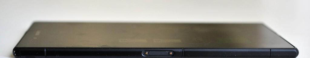 Sony Xperia Z Ultra - izquierda