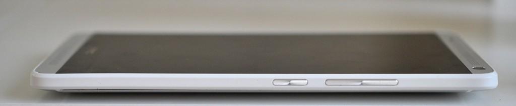 HTC One Max - derecha