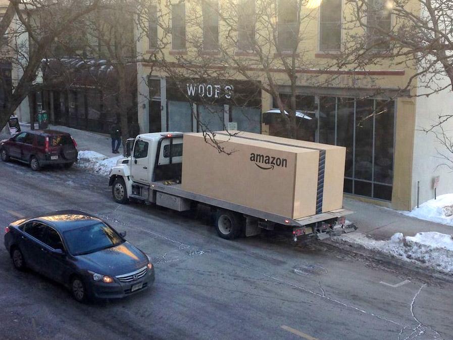amazon caja gigante