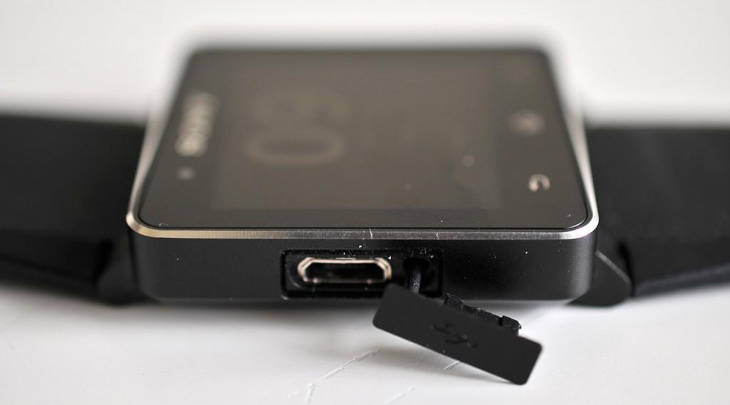 Sony SmartWatch 2 - lateral izquierdo