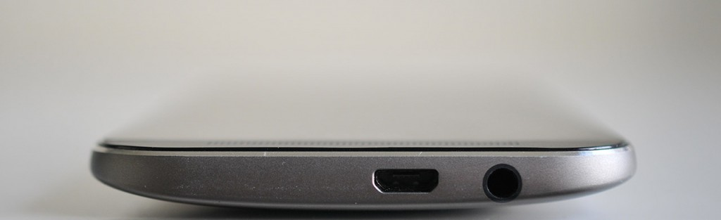 HTC One M8 - Abajo