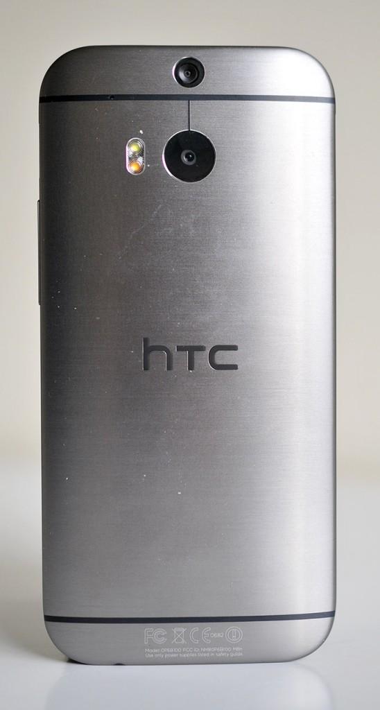 HTC One M8 - Atras