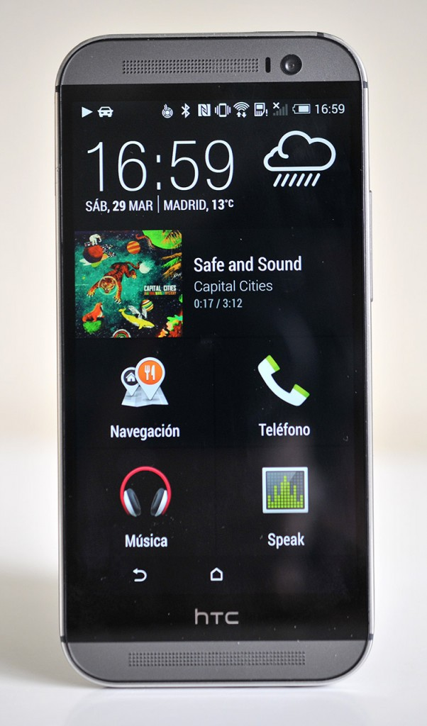HTC One M8 - Car