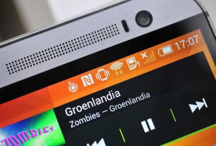 HTC One M8 - altavoces