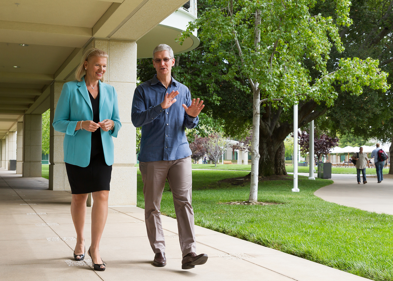 Tim Cook y Ginni Rometty