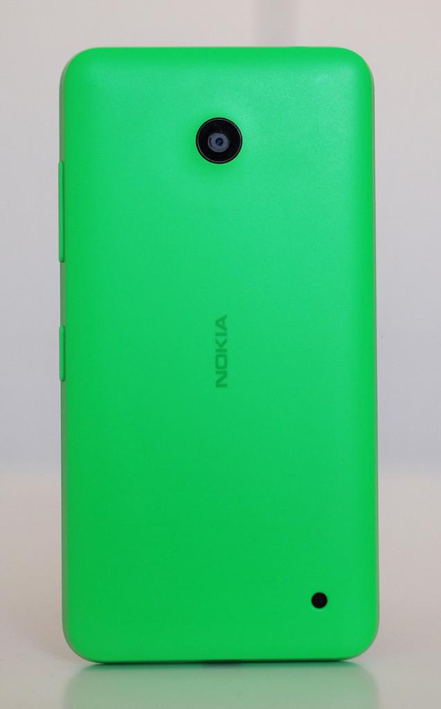 Nokia Lumia 630 - Atras