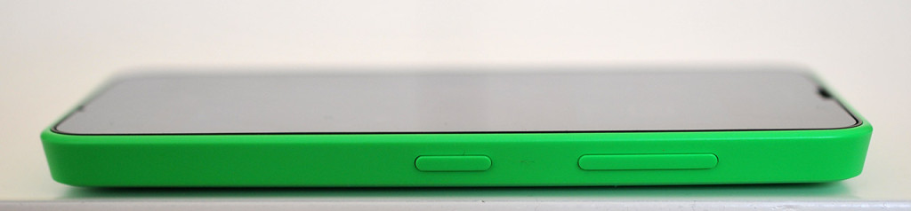 Nokia Lumia 630 - Derecha