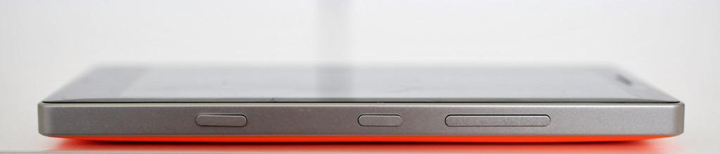 Nokia Lumia 930 - derecha