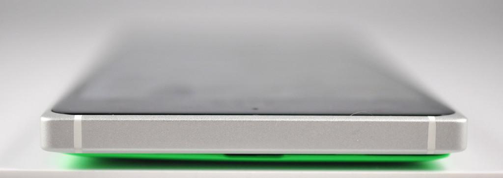 Nokia Lumia 830 - abajo