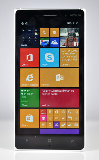 Nokia Lumia 830 - frontal