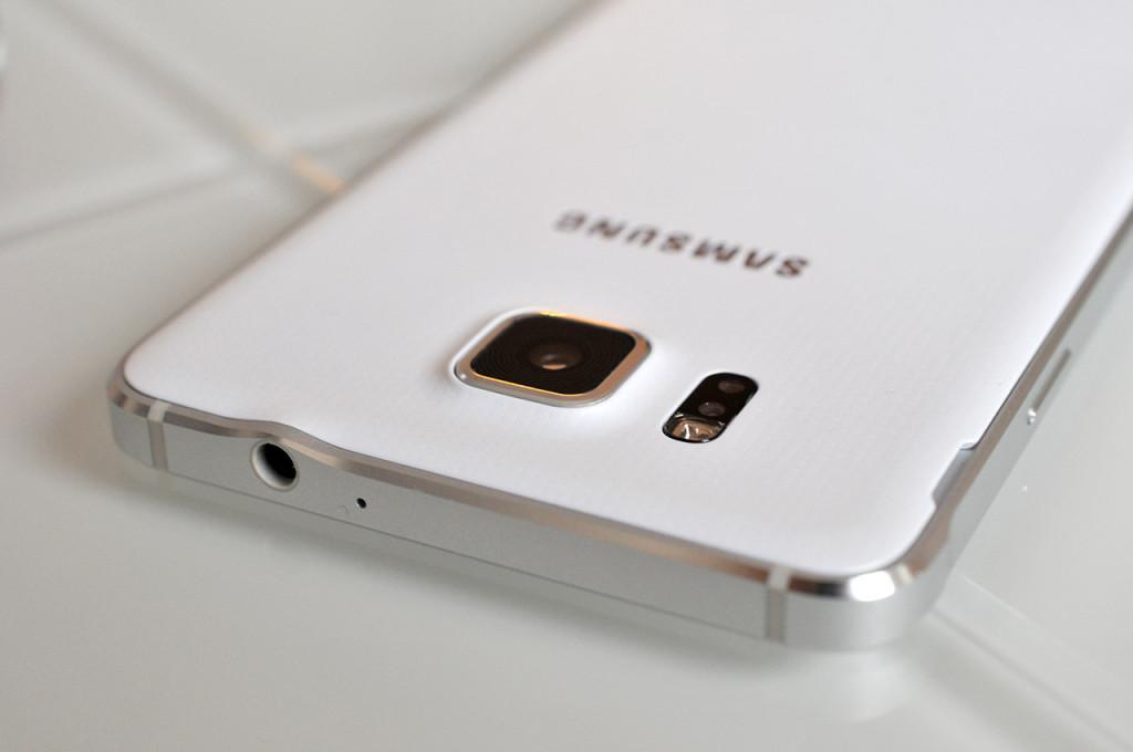 Samsung Galaxy Alpha - 12