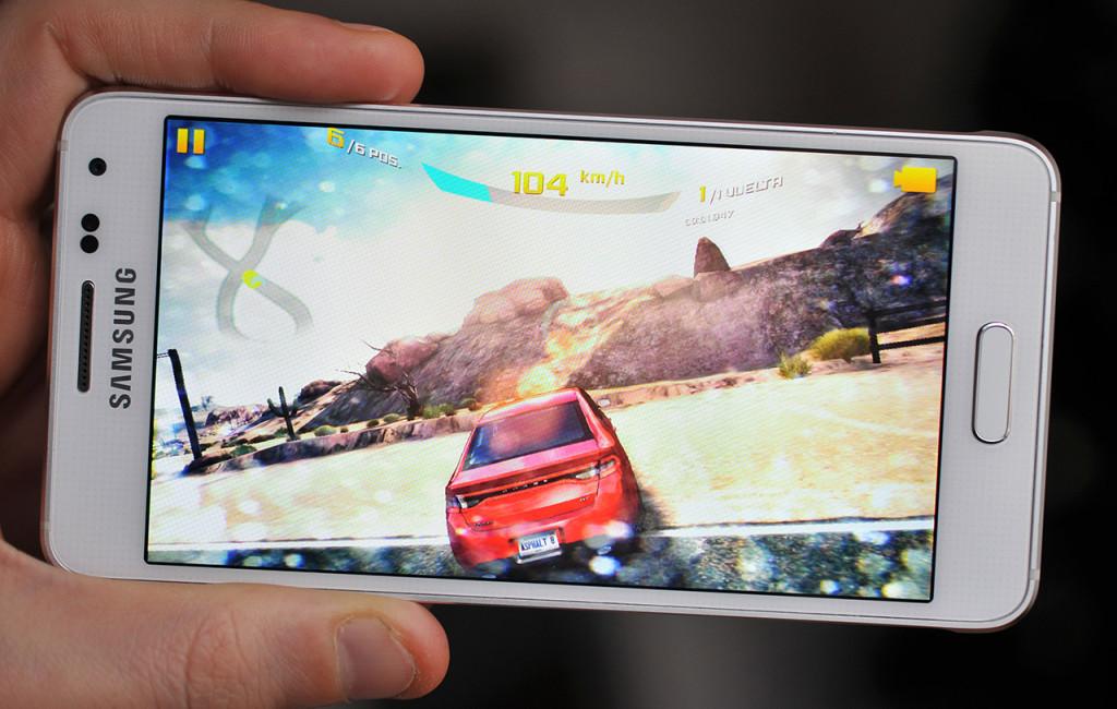 Samsung Galaxy Alpha - 17