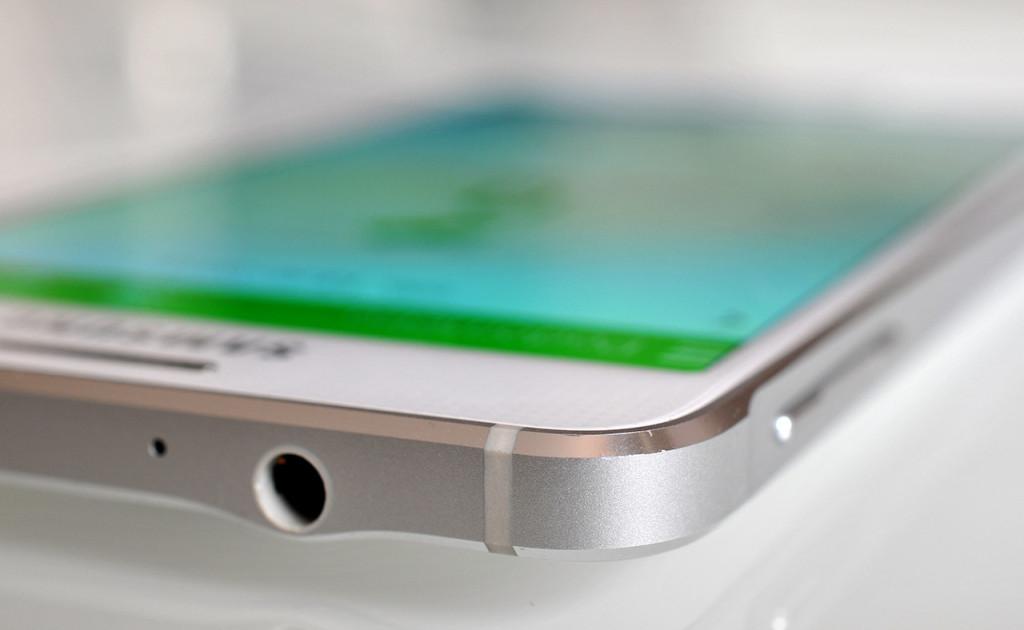 Samsung Galaxy Alpha - 21