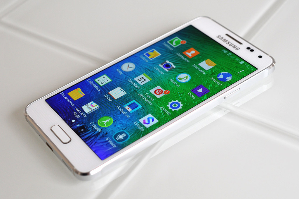 Samsung Galaxy Alpha - 6