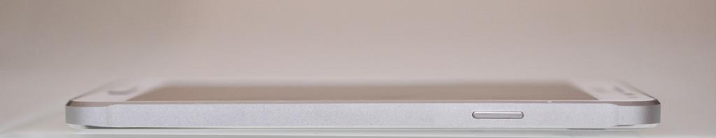 Samsung Galaxy Alpha - Derecha