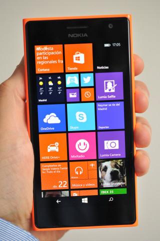 Nokia Lumia 735 - 1