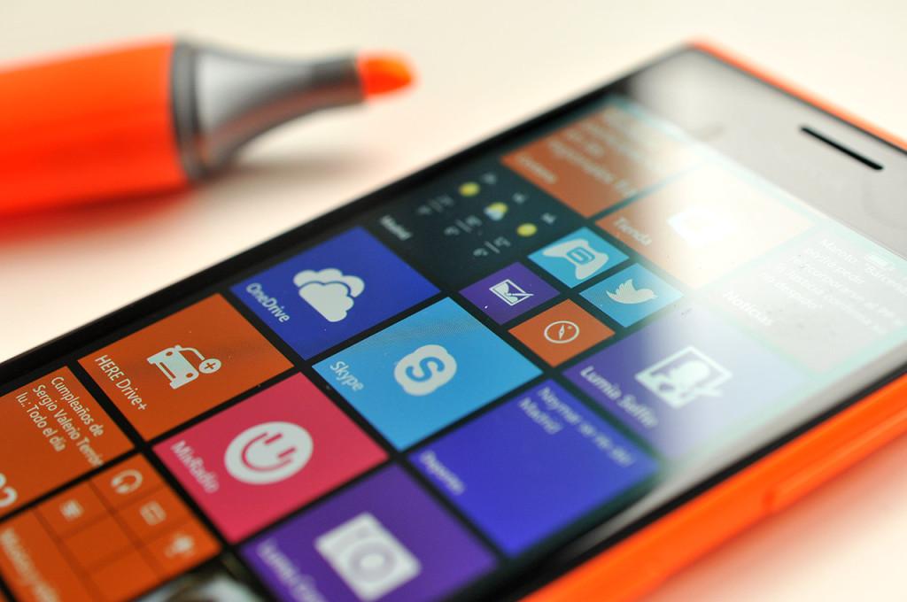 Nokia Lumia 735 - 10