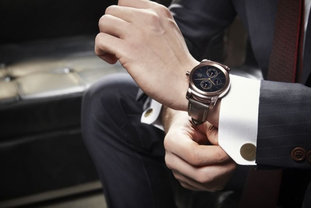 LG_WATCH_URBANE_LIFESTYLE_01-640x427[1]