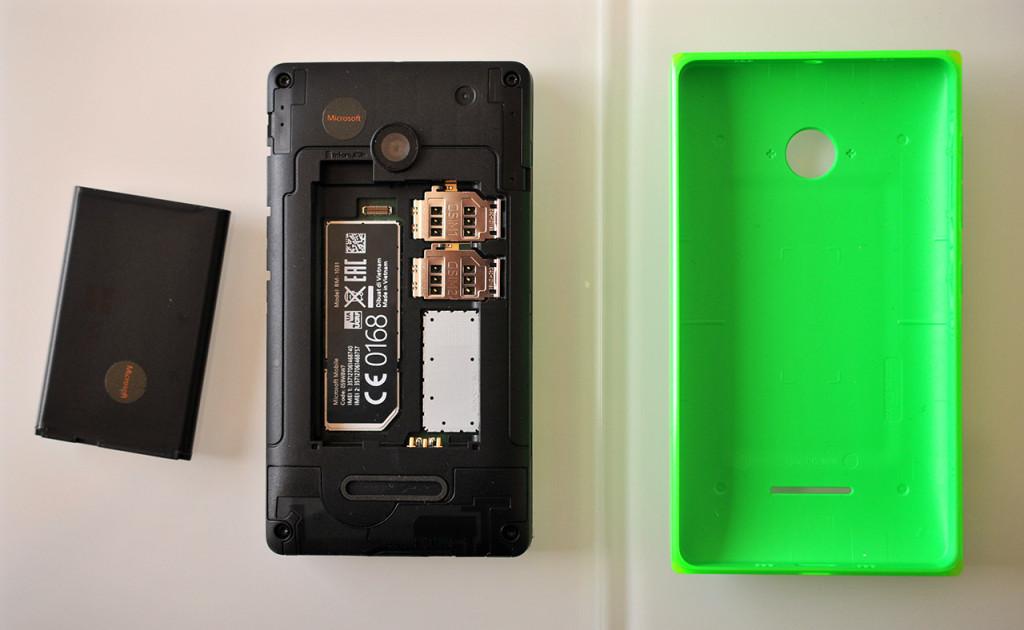 Microsoft Lumia 532 - interior
