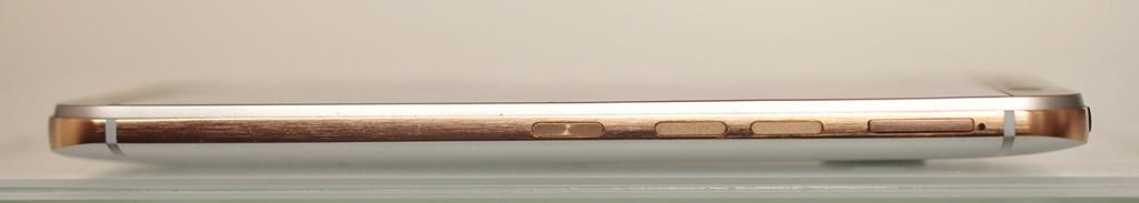 HTC One M9 - Derecha