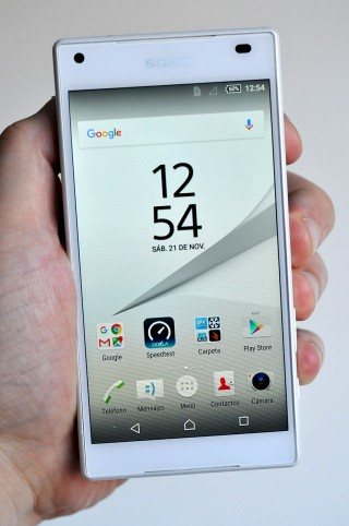 Sony Xperia Z5 Compact - 1
