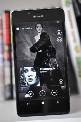 Microsoft Lumia 950 - 17