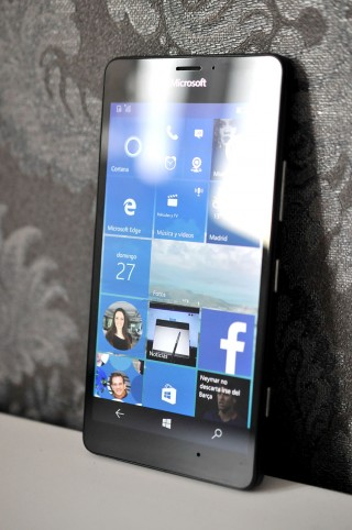 Microsoft Lumia 950 - 24
