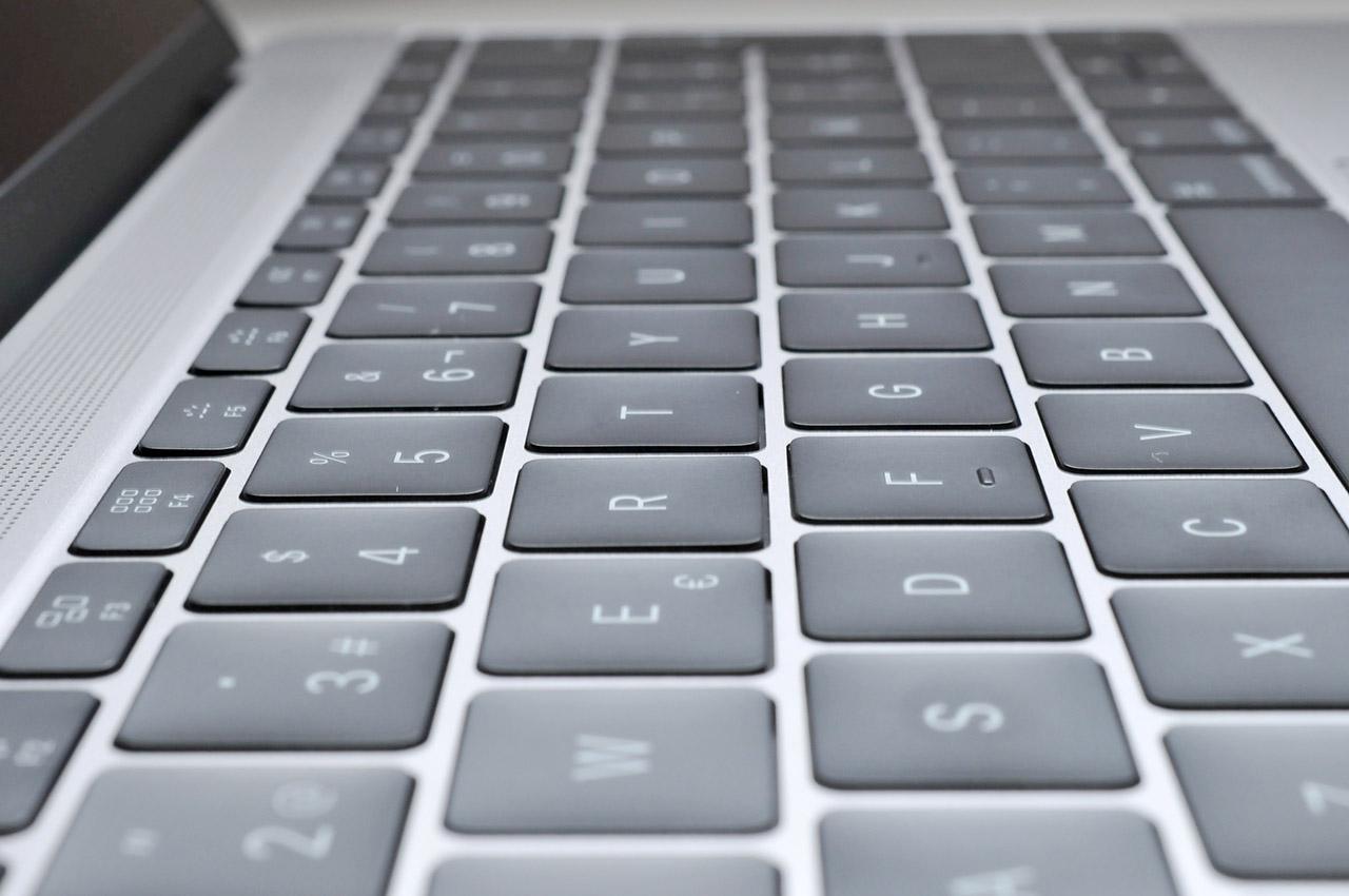 MacBook - 10
