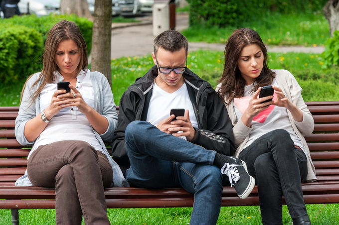 people-texting1