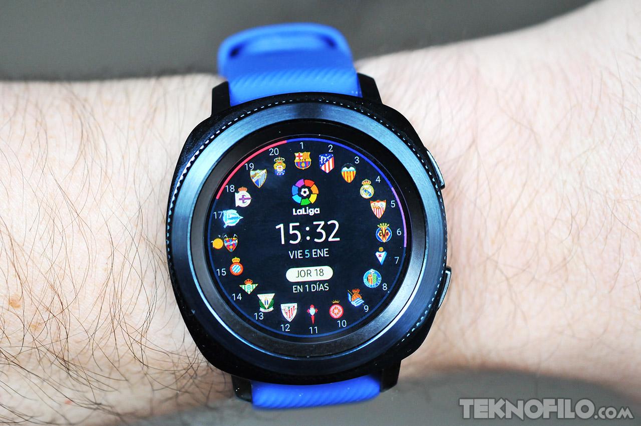 df111ada3c7e Samsung ha anunciado la disponibilidad de la nueva esfera de LaLiga para  sus relojes inteligentes Gear S2